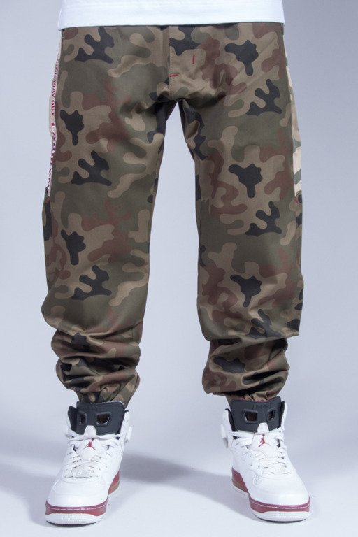 LABIRYNT PANTS CHINO JOGGER #6 GREEN CAMO