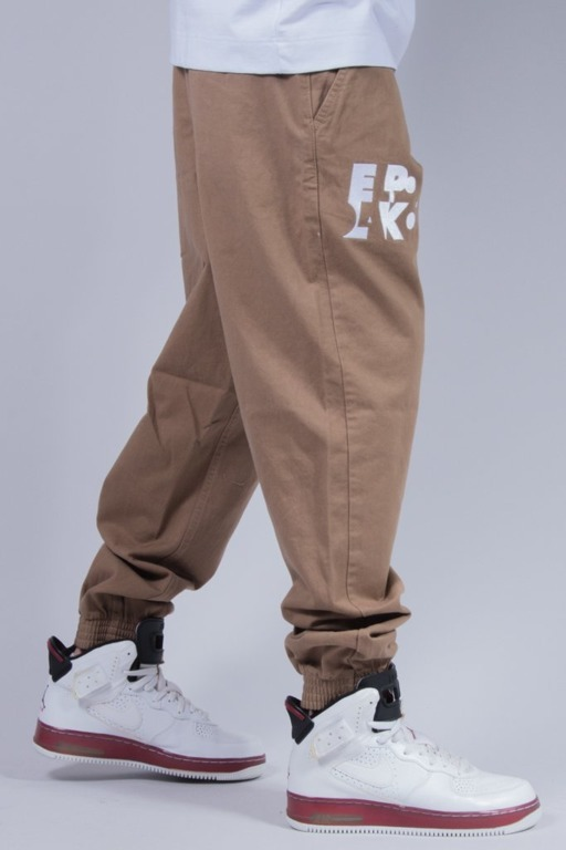 EL POLAKO SPODNIE CHINO JOGGER ELPK BROWN