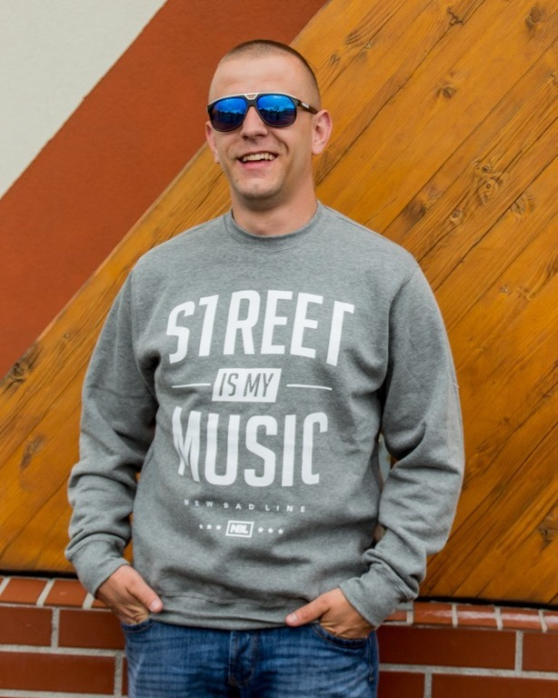 NEW BAD LINE CREWNECK STREET GREY
