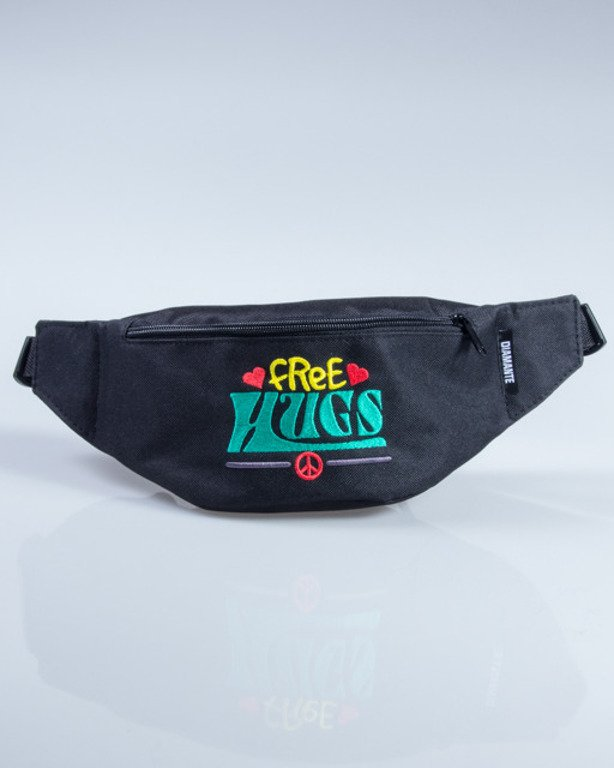 DIAMANTE WEAR SASZETKA NERKA FREE HUGS BLACK-COLOR