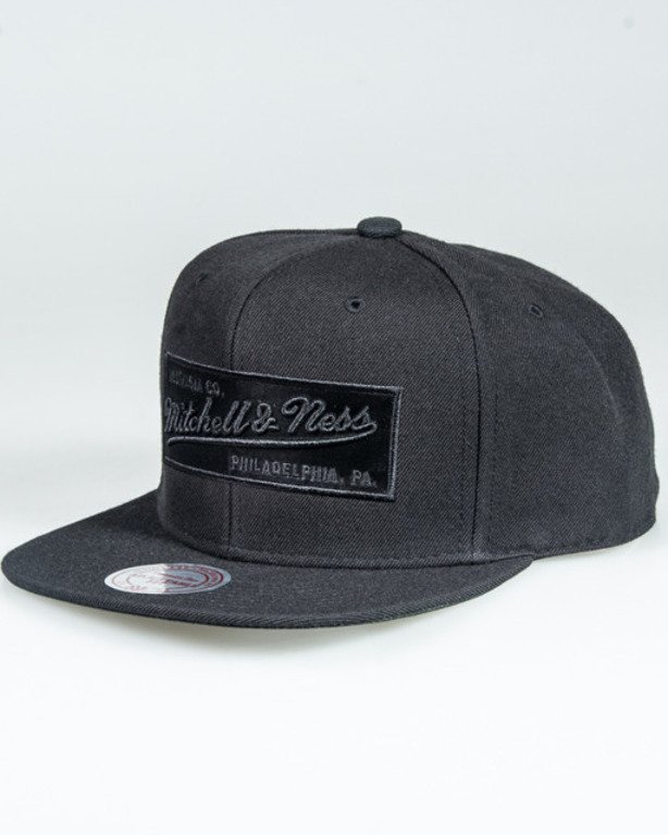 MITCHELL&NESS SNAPBACK 2TONE LABEL NE18Z BLACK