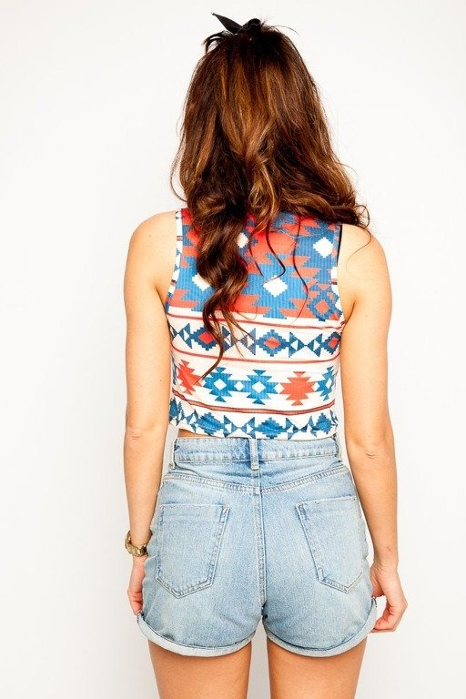DIAMANTE CHICKS CROP TOP AZTEC